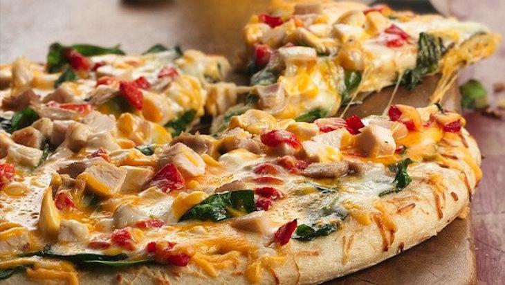بيتزا الخرطال بالدجاج والموتزاريلا