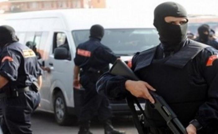 رجال الحموشي بطنجة يوقفون متهما موضوع مذكرة بحث وطنية