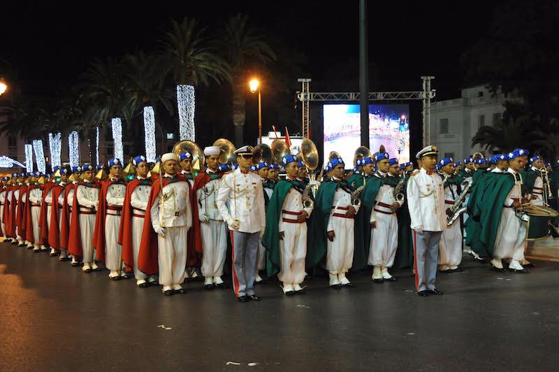 فرسان الحرس الملكي بشوارع الرباط احتفالا بعيد العرش