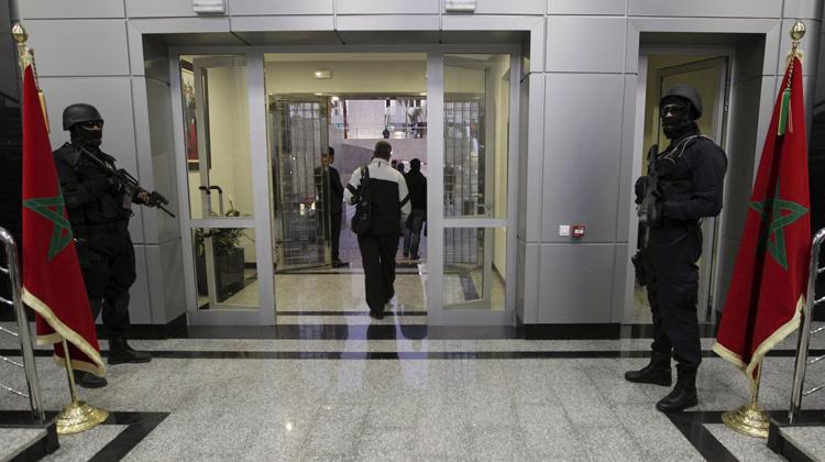 الداخلية : التحقيق مع افغانيين يكشف شبكة دولية للتهجير