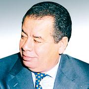 رئيس الجزائر.. صحفي في بيتنا