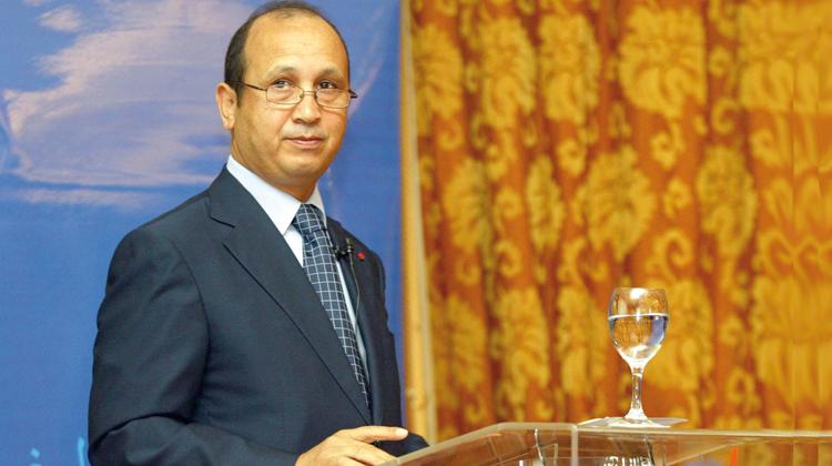 استقالة أبرز مستشاري أحيزون وميناء الجزيرة الخضراء يعتبر اتصالات المغرب فاقدة للمصداقية