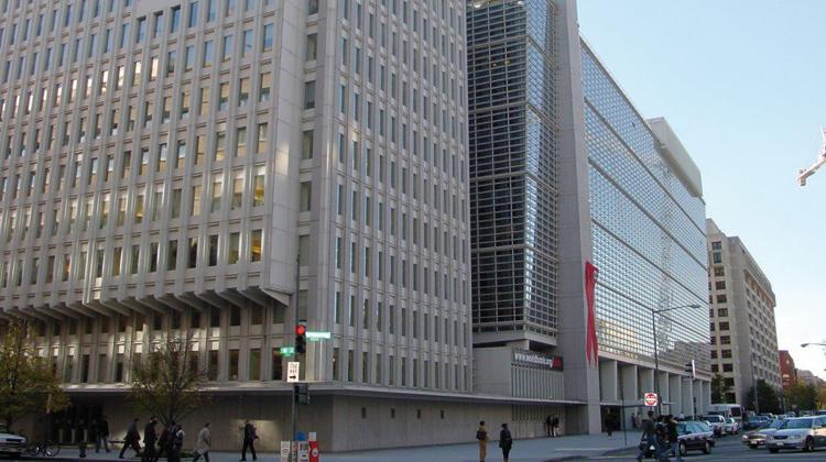 الحكومة تواصل رهن المغرب بالقروض و15 مليار سنتيم قرض جديد من البنك الدولي