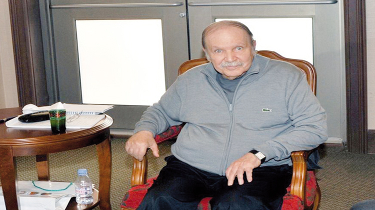 نقل الرئيس الجزائري بوتفليقة لفرنسا لاجراء فحوصات