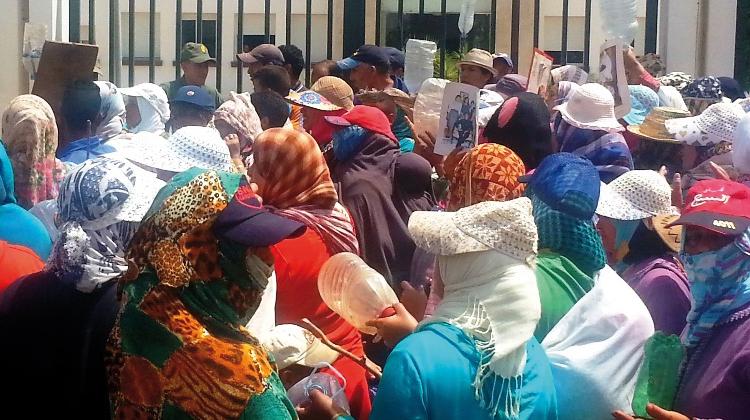 مسيرة العطش بسيدي بطاش تستنفر السلطات وتخوفات من نقل الاحتجاجات إلى الرباط