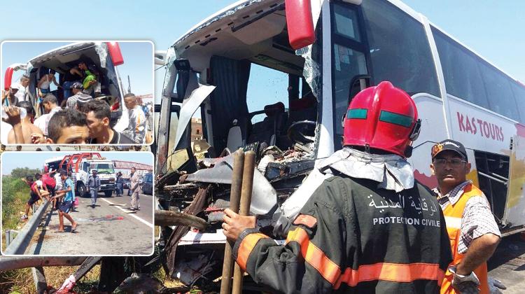 شاحنة محملة بالدلاح ترسل 48 من مستعملي الطريق السيار إلى المستعجلات