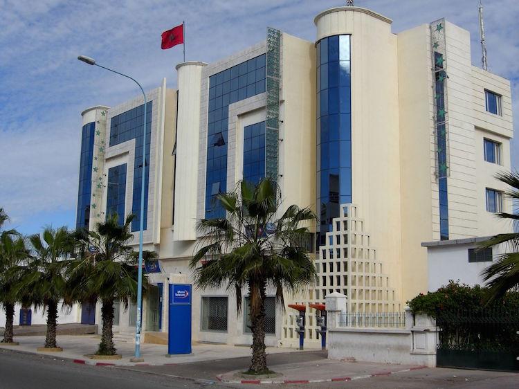 مستخدم بـ «اتصالات المغرب» بأكادير يجر أحيزون إلى القضاء بسبب التلاعب في نتائج مباراة ترقية