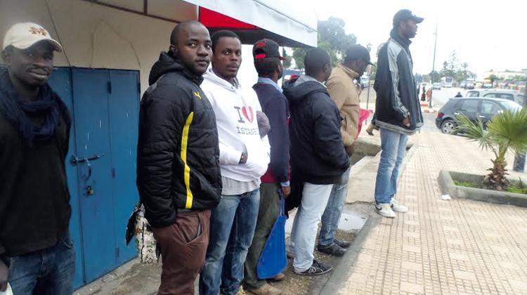 «الموقف».. بوابة المهاجرين الأفارقة نحو «الشغل» بالعاصمة الرباط