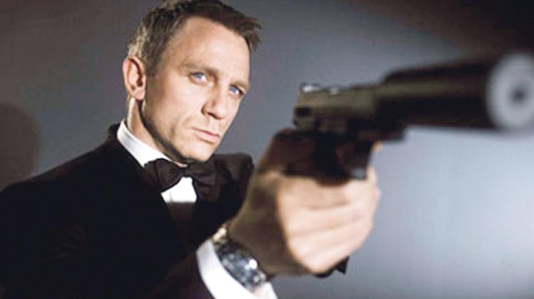 «شبح» جيمس بوند يطلق آخر رصاصة في طنجة وأرفود