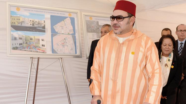 الملك يشرف على وضع الحجر الأساس لمركز علاج الأمراض المزمنة بالمحمدية