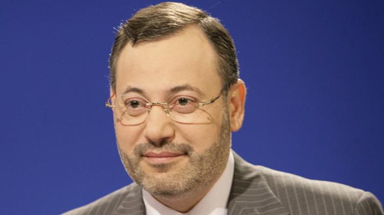 هل سيمنع الزواج العرفي أحمد منصور من الدخول إلى المغرب؟