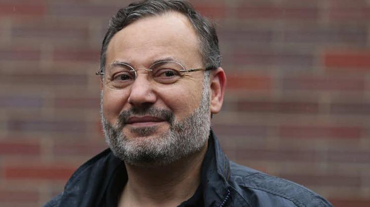 منصور يعتذر للصحافيين المغاربة ويعترف: كتبت الرد في لحظة غضب