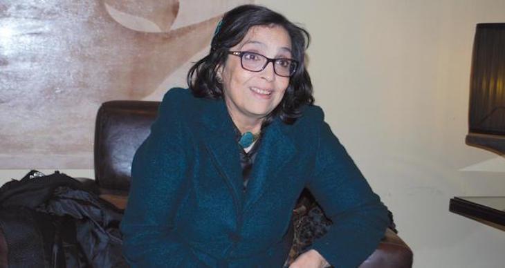 الوزيرة السابقة طاطاي عالقة في مطار القاهرة وبوطازوت رجعت دون أمتعتها