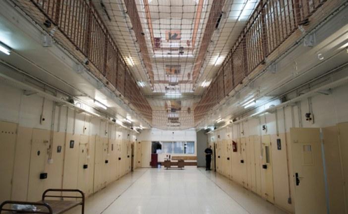 سجين ينشر أشرطة «فيديو» من داخل سجن طنجة ويكشف أسرار شركائه
