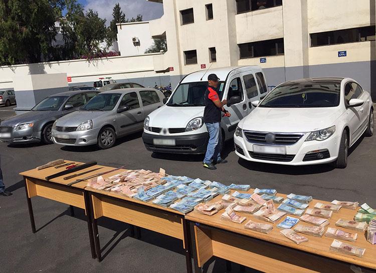 إعادة تمثيل عملية سرقة 252 مليون سنتيم بعد السطو على سيارة تابعة لشركة خاصة بالدار البيضاء