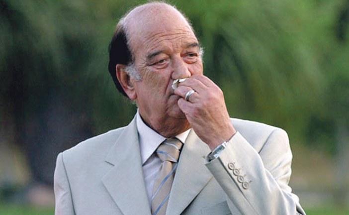 حسن حسني يختبئ وراء نقابة المهن التمثيلية ويكلفها بـ «الاعتذار» نيابة عنه