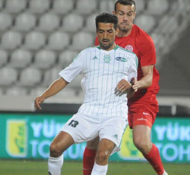 كرول يجرب لاعبين جدد أمام الفيصلي السعودي