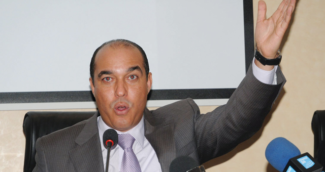 """مطالب بمحاكمة محمد أوزين بعد فضيحة """"تسجيل التزكية"""""""