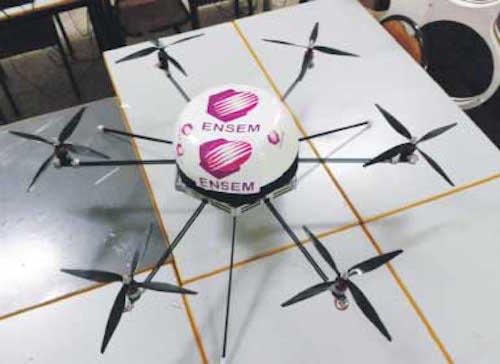 طلبة مهندسون يصنعون أول طائرة «درون» مغربية بدون طيار