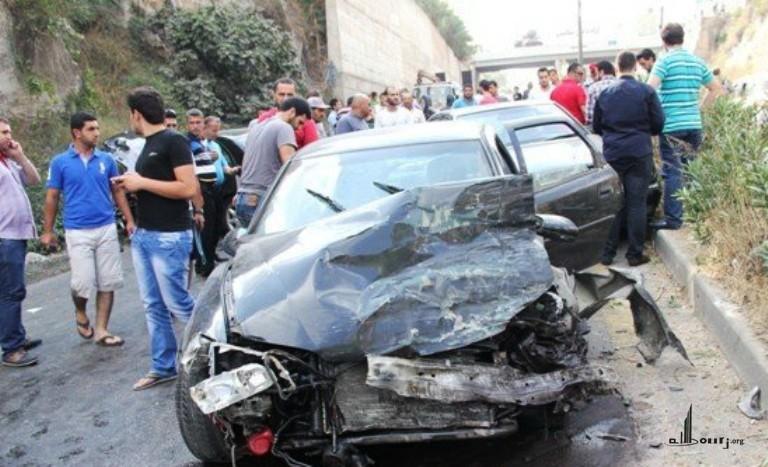 حادثة سير بين 5 سيارات عند مدخل الطريق السيار بالبيضاء