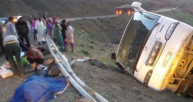 قتيل وتسعة مصابين في حادث اصطدام مروع بين حافلة للنقل الحضري وجرار بفاس