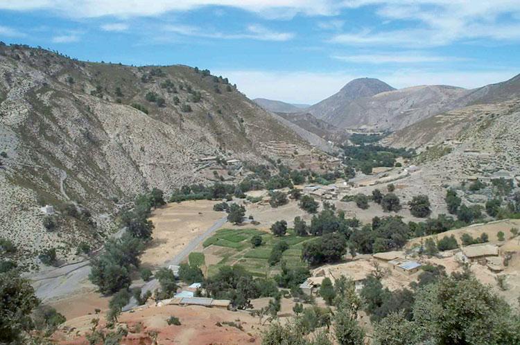قرى إقليم بولمان تدخل في عزلة