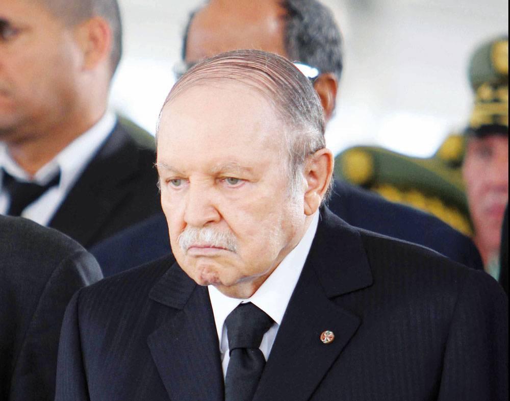 بوتفليقة يقيل مدير المخابرات ويعين مستشاره للشؤون الأمنية خلفا له