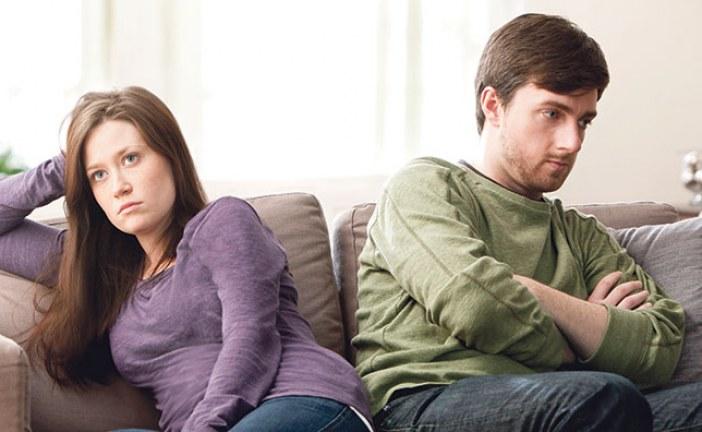 أزواج يختارون أسلوب الاستقلالية الذاتية من داخل قفص الزوجية