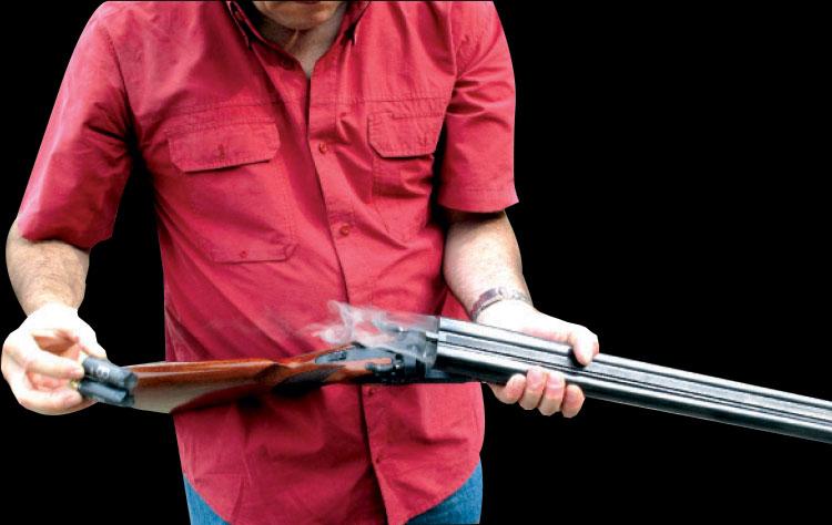 شخص يشهر بندقية صيد في وجه شقيقه بطنجة