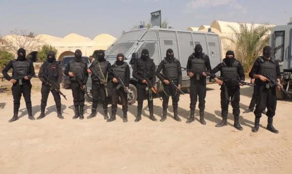 مقتل 12 شخصا من بينهم سياح أجانب في مصر