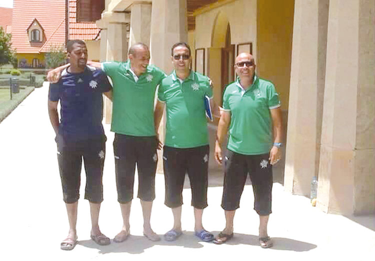 عدم التفاهم بين المدرب الجزائري وعبد الواحد بجعيط يعجل بانفصال الأخير وديا