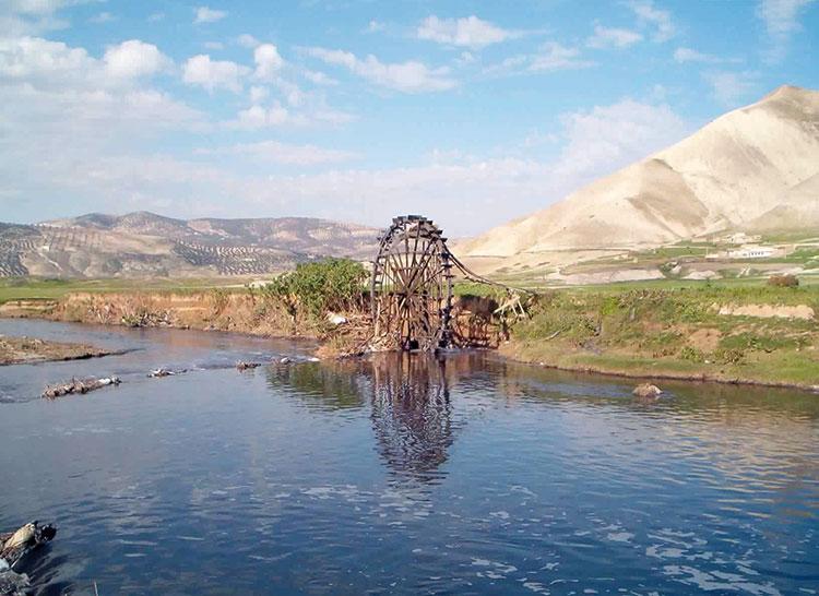 20 ألفا بضواحي فاس يشربون من وادي سبو الملوث بعد غلي مياهه