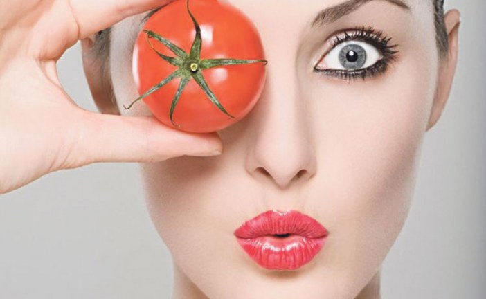 الطماطم لبشرة  نضرة و صحية
