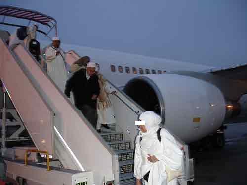 مصرع حاجة في رحلة جوية قبل نزول الطائرة بمطار فاس