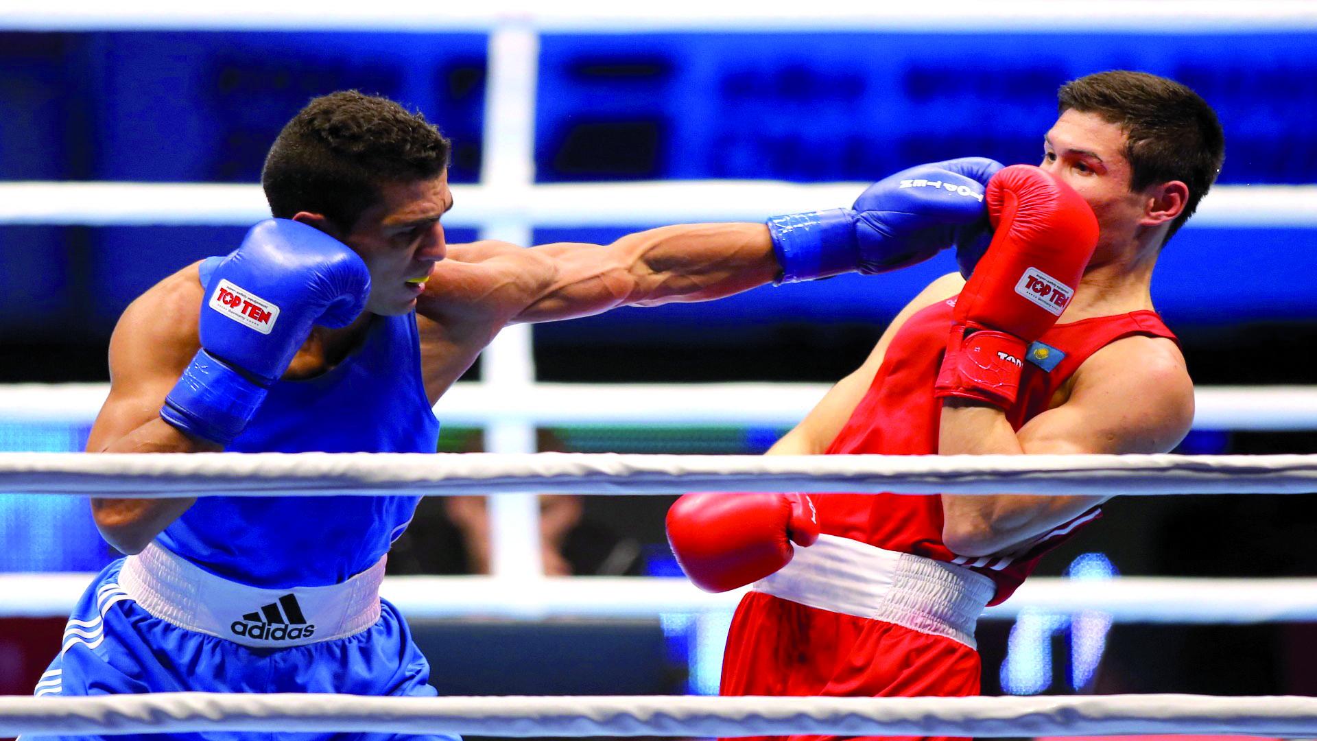 ربيعي يهدي المغرب والعرب أول ميدالية ذهبية في بطولة العالم للملاكمة