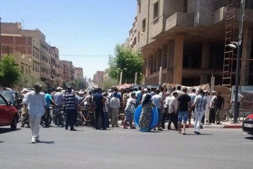 مواطنون بكرسيف ينتفضون ضد تعنت اتصالات المغرب ويطالبون بمنعها من تثبيت لاقط هوائي