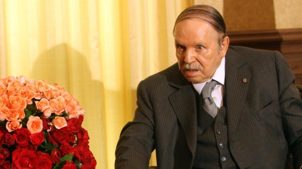 اعتقال جنرال جزائري متقاعد انتقد بوتفليقة وشقيقه
