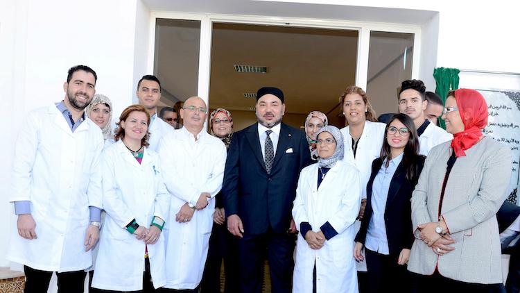 الملك يطلق مشاريع لتعزيز العرض الطبي بعاصمة البوغاز