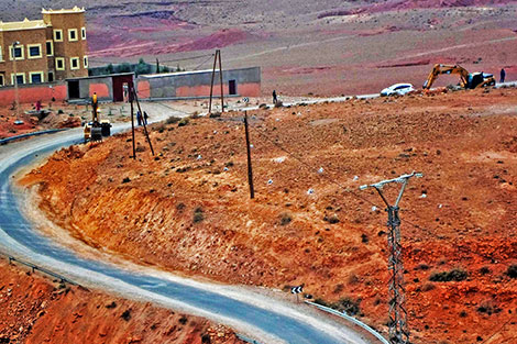 وفاة 7 نساء حوامل وخسارة تعد بملايير الدراهم  بسبب طريق أهملتها وزارة رباح بجهة الغرب