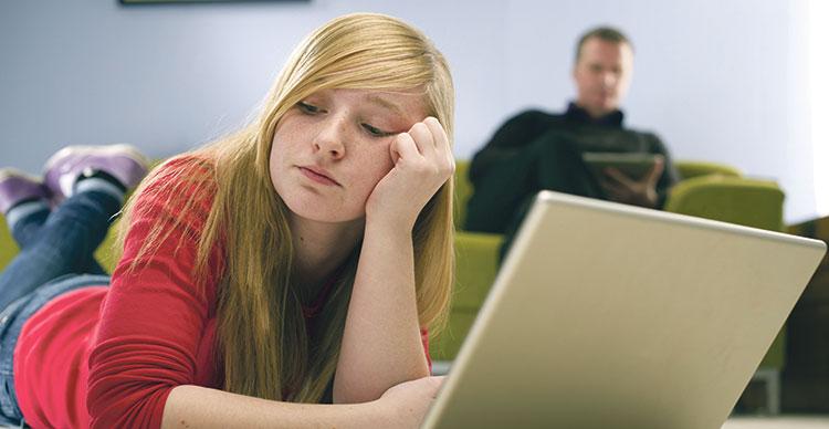 ما هي أسباب ملل المراهق وكيف يتم علاجه؟