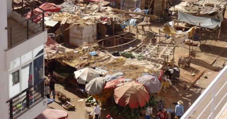 مواطنون يعيشون في أكواخ مستاؤون من المجالس المتعاقبة على تدبير القنيطرة