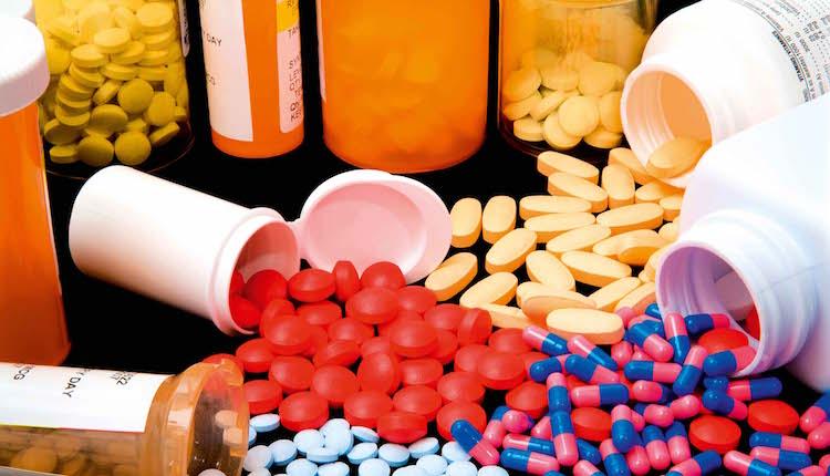 اتهام صيدلانية بفاس ببيع عقاقير مخدرة لمدمنين دون وصفات طبية قبل اختفائها فجأة