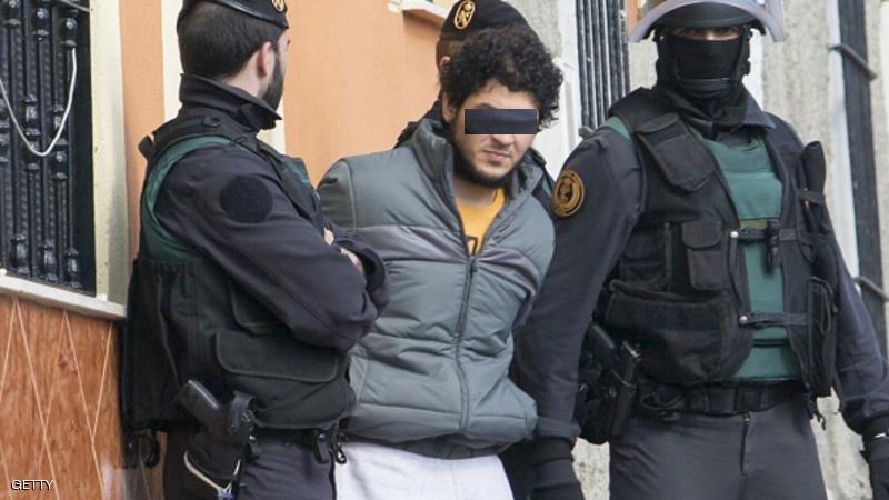 """اعتقال ثلاث مغاربة في إسبانيا يشتبه في انتمائهم ل""""داعش"""""""