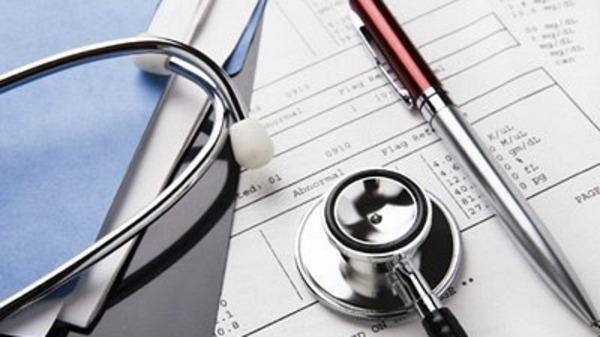 إيقاف مساعدة طبيب بمرتيل بسبب شهادات طبية مزورة