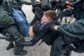 اعتقال 200 متظاهر بباريس بعد مواجهة مع الشرطة