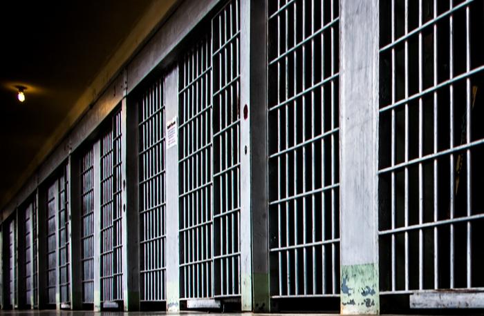 بنكيران يبني للمغاربة 50 سجنا جديدا بكلفة 370 مليار سنتيم