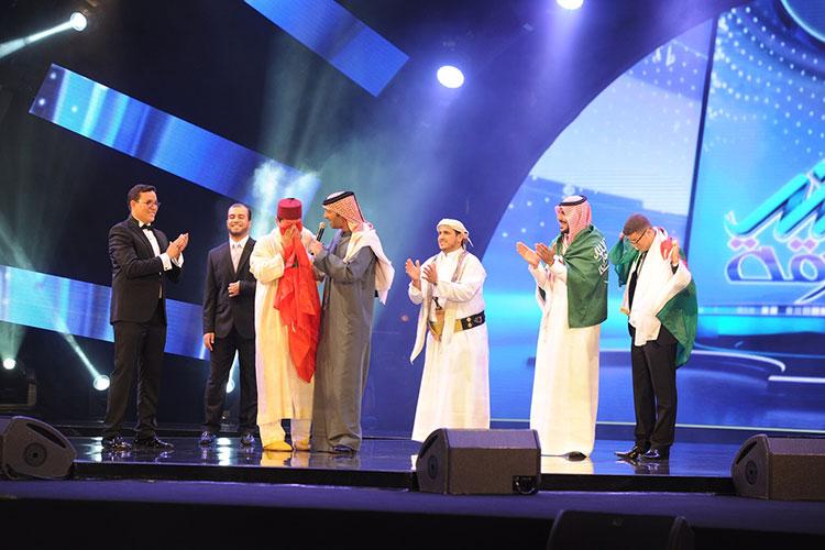 """المغربي فضيل شعيب يفوز بلقب """"منشد الشارقة"""" لهذه السنة"""