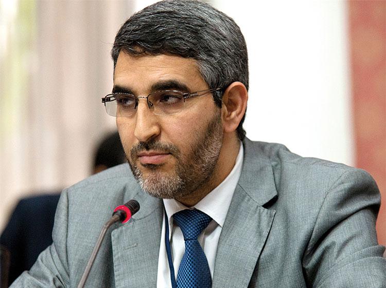 غضب في وزارة العلاقات مع البرلمان بعد اقتطاع الحكومة من أجور المضربين