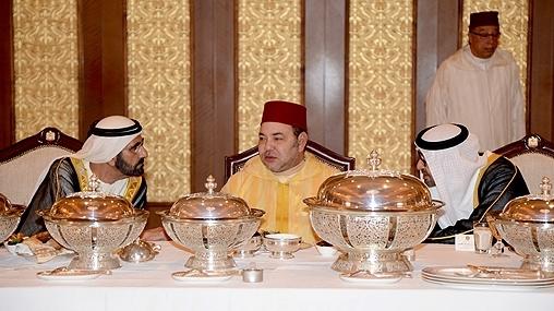 ولي عهد أبو ظبي ينظم عشاءا رسميا على شرف الملك جمع حكام الإمارات