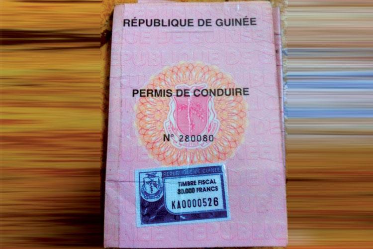 الحبس والغرامة لمسؤولين في وزارة التجهيز  بسبب رخص سياقة غينية مزيفة